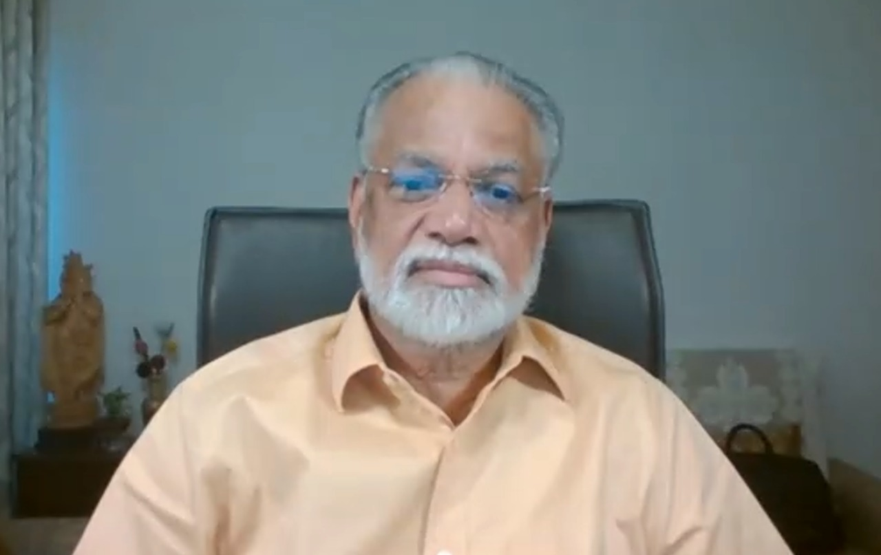 अध्यक्ष BoG आई आई टी कानपुर और पूर्व ISRO अध्यक्ष डॉ० कोप्पिलिल राधाकृष्णन